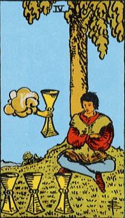 タロットカード聖杯4